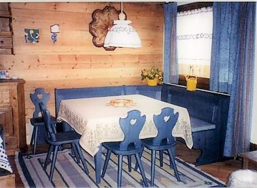 Soggiorno Taverna Cucina In Legno Colore Azzurro Per Arredamenti Stile Rustico Country Provenzale Mobilificio Maieron Paluzza Udine Italia