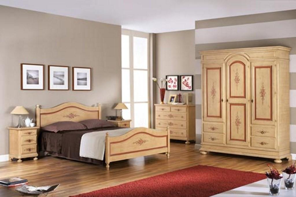Camera Da Letto Completa In Legno Color Avorio Antico Profilo Rosso In Stile Classico Decorato Mobilificio Maieron Paluzza Udine Italia