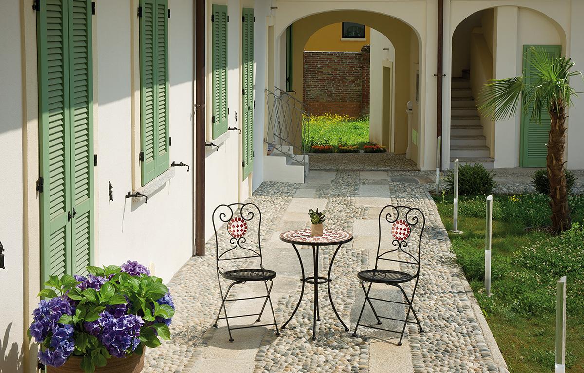 Set Sedie E Tavolo Mosaico Per Arredamento Bar Ristorante ...